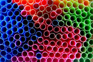 Straws should be banned in Canada by 2021